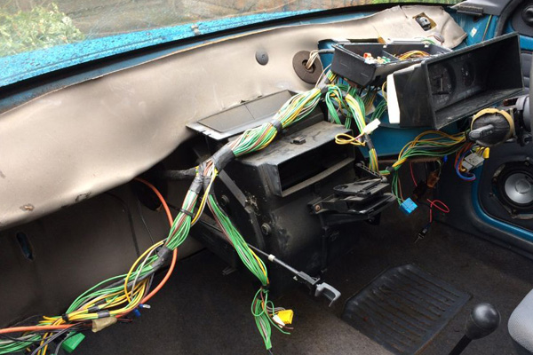Citroen AX | Dashboard Removed for Refitting | Three Stud | Glenn Jobson | Cambridge